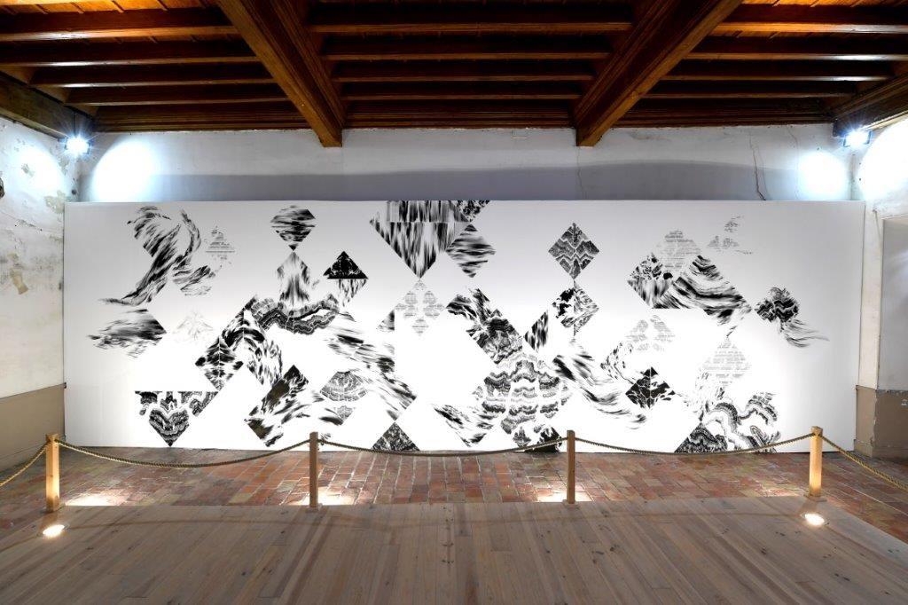 Abdelkader Benchamma à l'abbaye de Lagrasse ; Symétries et soupirs, création IN SITU 2019 ; Courtoisie de l'artiste ; photo © Luc Jennepin